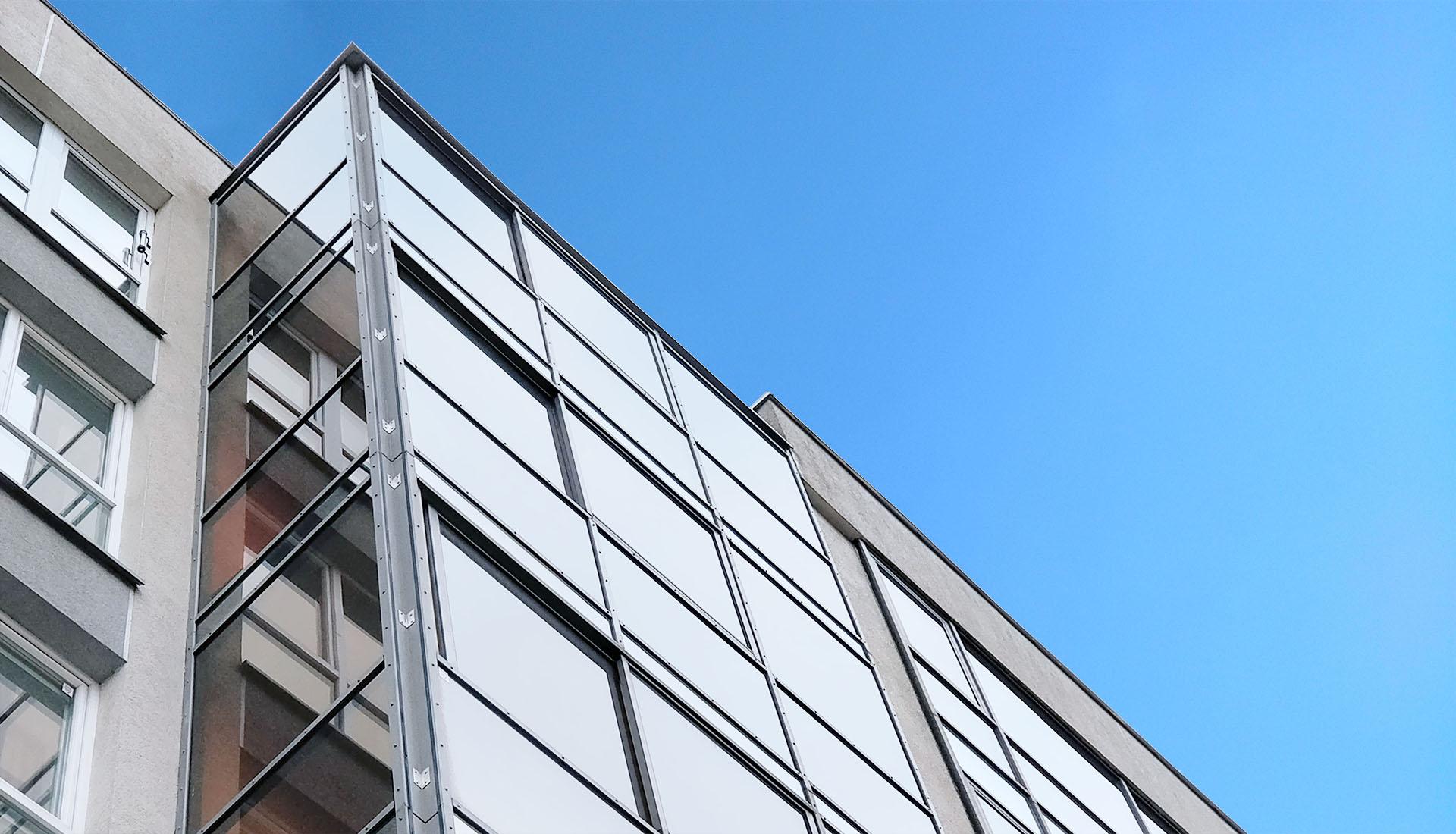 Balkonų stiklinimas Vilniuje